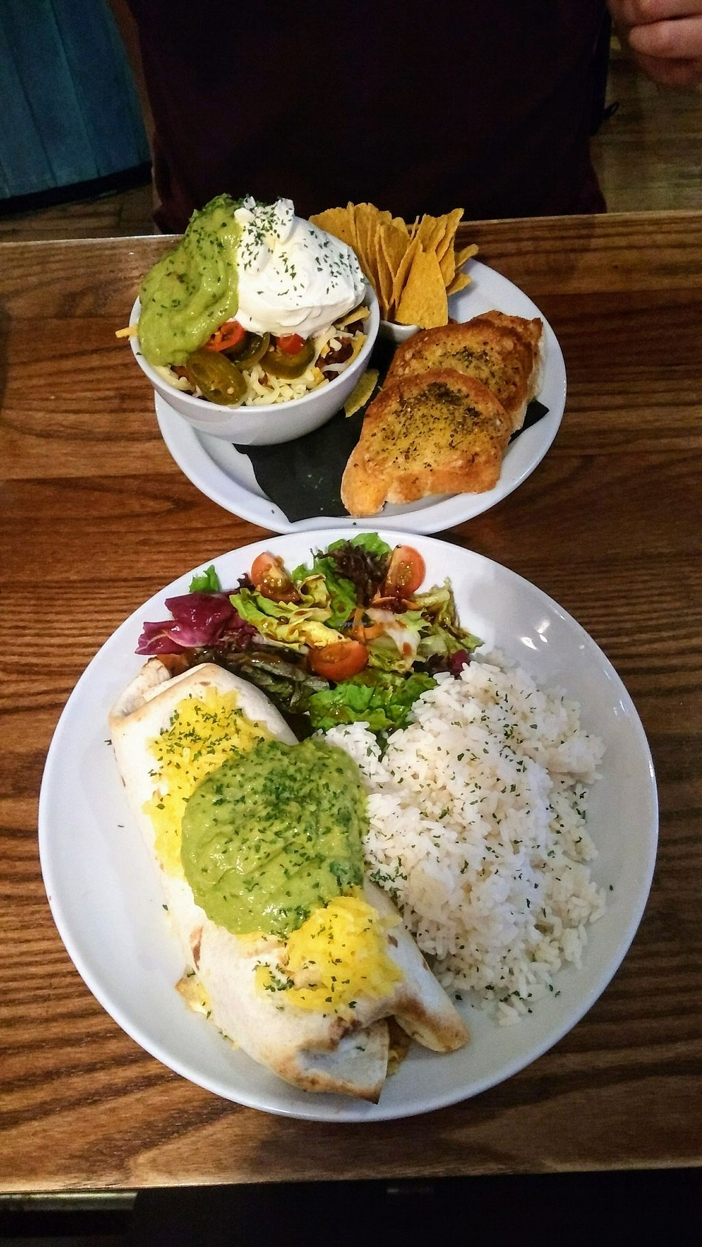 """Photo of The Auld Hoose  by <a href=""""/members/profile/putavegana"""">putavegana</a> <br/>vegan burrito & non-veg chilli <br/> August 23, 2017  - <a href='/contact/abuse/image/42585/296213'>Report</a>"""