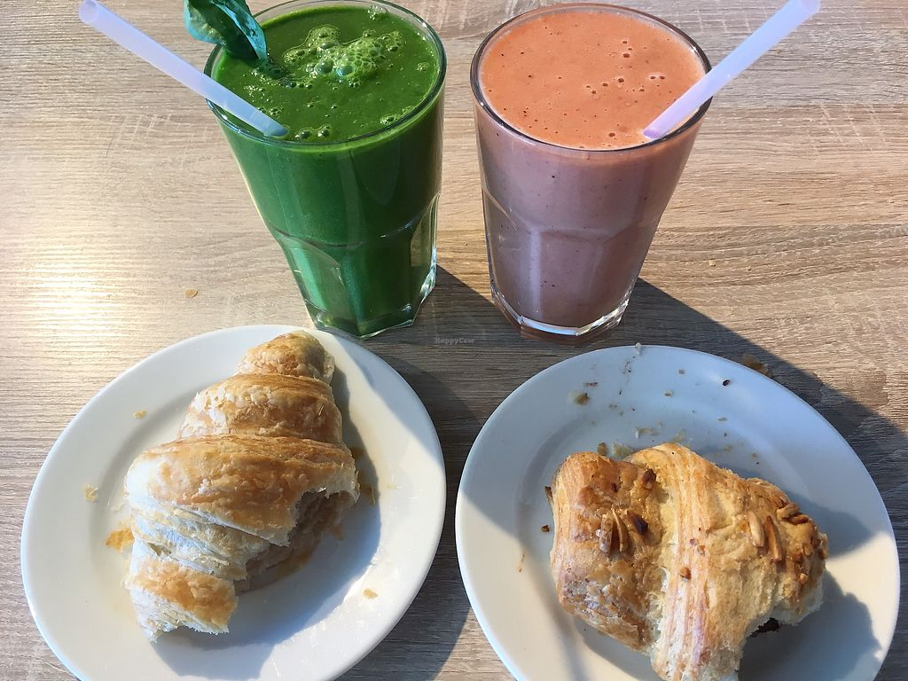 """Photo of Goodies Berlin - Veganz  by <a href=""""/members/profile/MorganCrawford"""">MorganCrawford</a> <br/>breakfast <br/> June 29, 2017  - <a href='/contact/abuse/image/42665/274722'>Report</a>"""