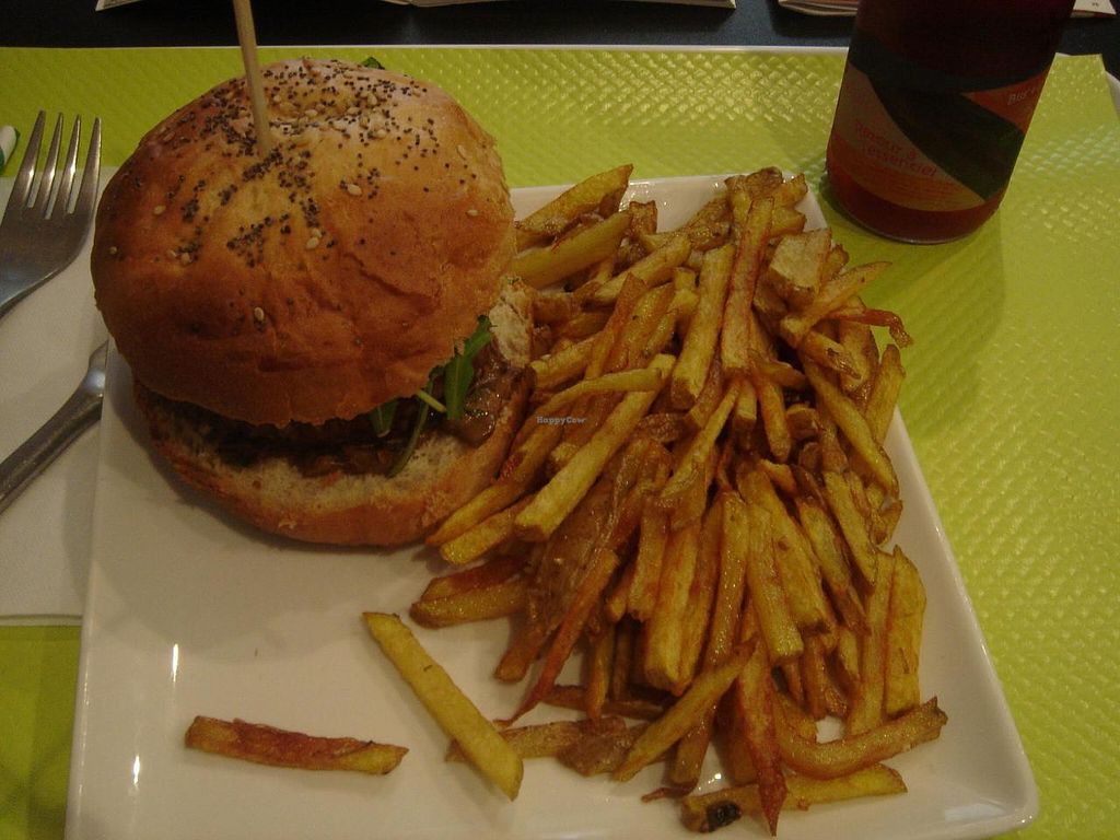 """Photo of VG  by <a href=""""/members/profile/Ricardo"""">Ricardo</a> <br/>Set: Vegan/Vegetarian Burger + Fries or Soup or Salad + Drink €9.90 <br/> May 8, 2014  - <a href='/contact/abuse/image/42722/69616'>Report</a>"""