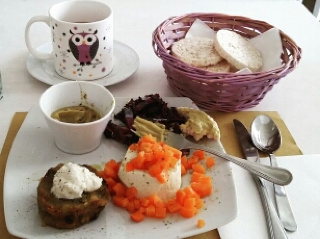 """Photo of La Casina di Alice  by <a href=""""/members/profile/Rachaelm"""">Rachaelm</a> <br/>beautiful lunch <br/> April 19, 2016  - <a href='/contact/abuse/image/42747/145266'>Report</a>"""