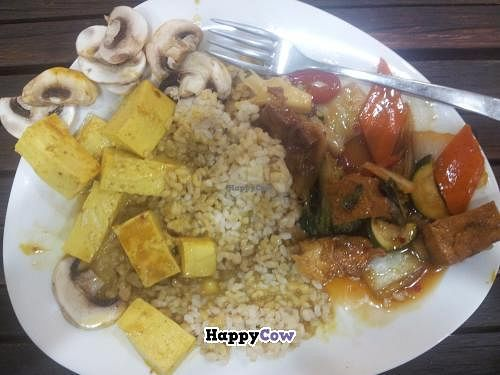 """Photo of CLOSED: Veggie Time  by <a href=""""/members/profile/bendrum72"""">bendrum72</a> <br/>the mushroom dish actually had no mushrooms in it. when i asked foot some they gave raw ones on top. Lol....  <br/> November 24, 2013  - <a href='/contact/abuse/image/42757/59039'>Report</a>"""