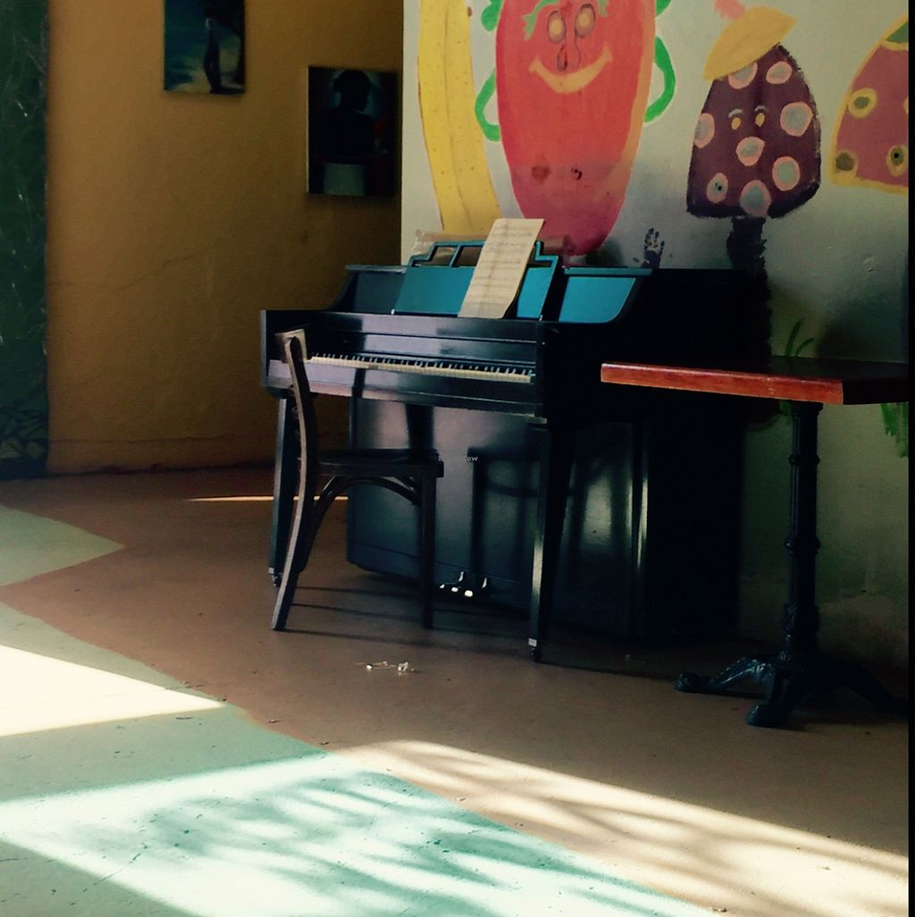 """Photo of Kale Cafe  by <a href=""""/members/profile/Twee%20G"""">Twee G</a> <br/>go to the back towards the bathroom  <br/> February 5, 2016  - <a href='/contact/abuse/image/42862/135105'>Report</a>"""