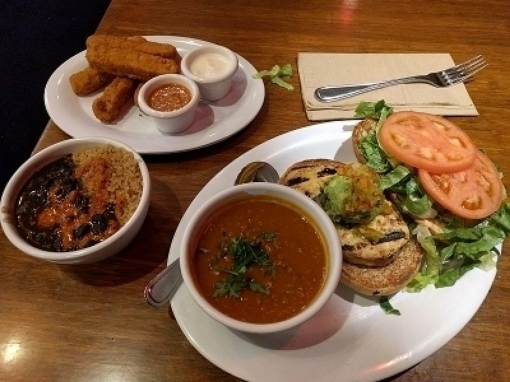 "Photo of Veggie Grill  by <a href=""/members/profile/MatthewVBogusz"">MatthewVBogusz</a> <br/>Pre-thanksgiving dinner <br/> November 24, 2016  - <a href='/contact/abuse/image/42865/194006'>Report</a>"