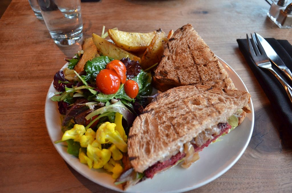 """Photo of CLOSED: The Plant Cafe Organic Cafe  by <a href=""""/members/profile/alexandra_vegan"""">alexandra_vegan</a> <br/>The veggie burger with sandwich bread (you have 3 options of bread) <br/> March 6, 2016  - <a href='/contact/abuse/image/42868/139060'>Report</a>"""