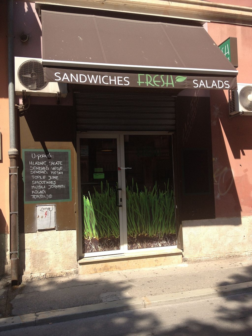 """Photo of Fresh Sandwich and Salad Bar  by <a href=""""/members/profile/jojoinbrighton"""">jojoinbrighton</a> <br/>Fresh <br/> August 31, 2015  - <a href='/contact/abuse/image/42906/115973'>Report</a>"""
