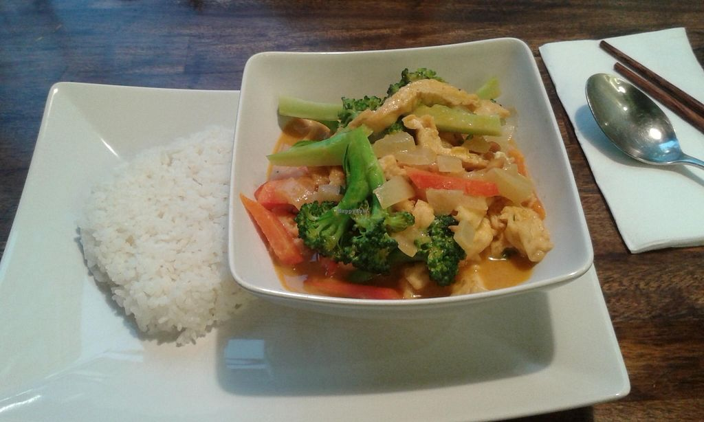 """Photo of Sen Chay  by <a href=""""/members/profile/Doro%2A"""">Doro*</a> <br/>broccoli, paprika, fried tofu and nuts on rice, 9,50€ <br/> February 10, 2016  - <a href='/contact/abuse/image/42950/135724'>Report</a>"""