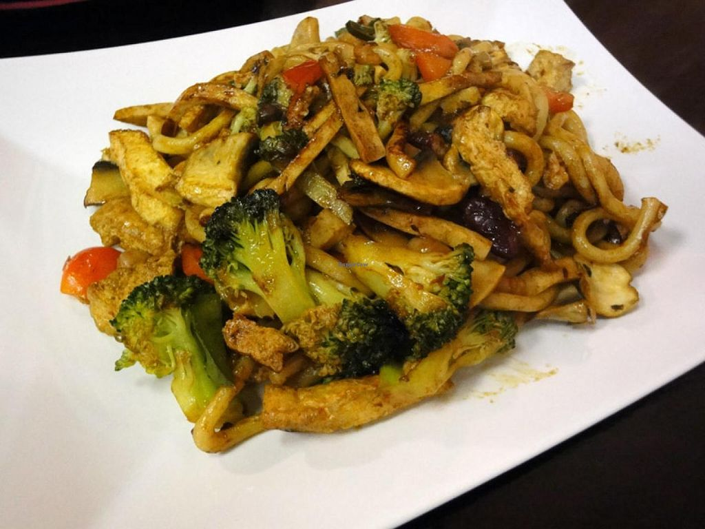 """Photo of Sen Chay  by <a href=""""/members/profile/Tanja%2A"""">Tanja*</a> <br/>Fried udon noodles with tofu, broccoli and beans (vegan) <br/> April 11, 2014  - <a href='/contact/abuse/image/42950/67407'>Report</a>"""