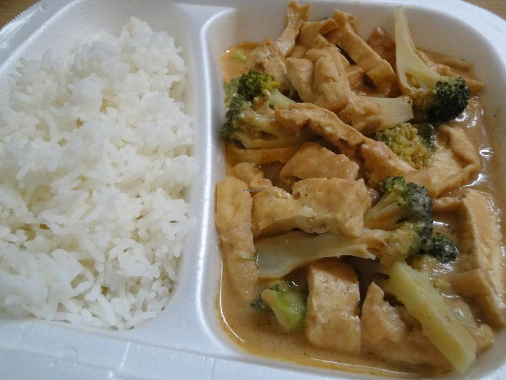 """Photo of Sen Chay  by <a href=""""/members/profile/Tanja%2A"""">Tanja*</a> <br/>Broccoli and tofu in peanut sauce.  <br/> April 11, 2014  - <a href='/contact/abuse/image/42950/67410'>Report</a>"""