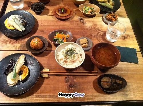 """Photo of Rama  by <a href=""""/members/profile/Inoshishi"""">Inoshishi</a> <br/>Dinner at Rama - 1,600yen <br/> November 4, 2013  - <a href='/contact/abuse/image/42991/57910'>Report</a>"""