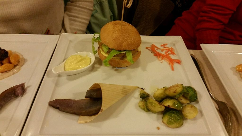 "Photo of La Lanterna  by <a href=""/members/profile/Labarban"">Labarban</a> <br/>Lupin bean burger <br/> October 15, 2017  - <a href='/contact/abuse/image/43047/315435'>Report</a>"