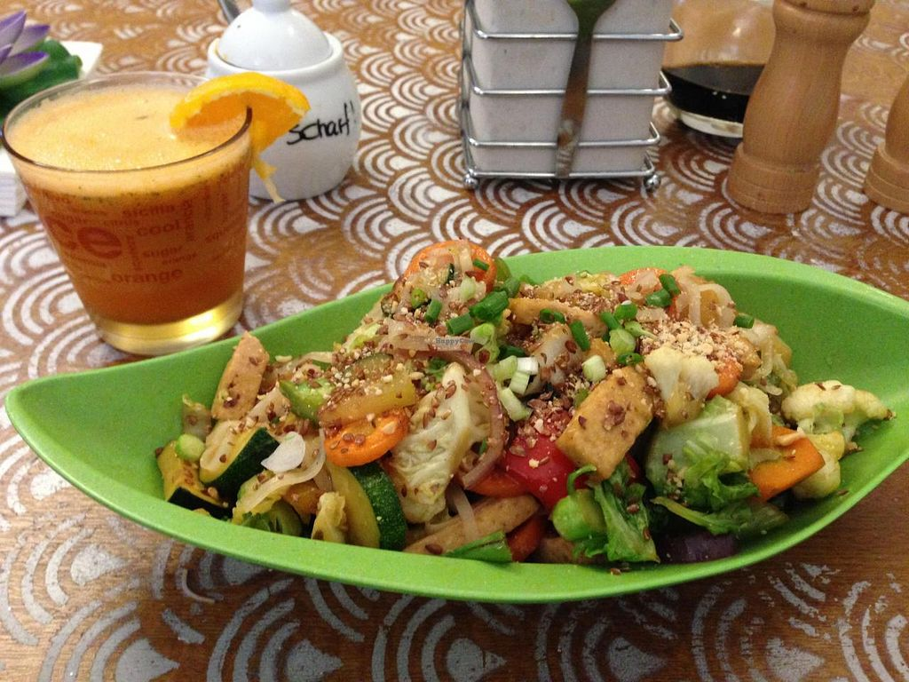 """Photo of Mei Wok  by <a href=""""/members/profile/Pamina"""">Pamina</a> <br/>Mei Wok, Cologne - Pad Thai <br/> August 18, 2014  - <a href='/contact/abuse/image/43054/77371'>Report</a>"""