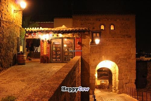 "Photo of Posada El Cristo de la Luz  by <a href=""/members/profile/erichartnett24"">erichartnett24</a> <br/>entry at night <br/> November 19, 2013  - <a href='/contact/abuse/image/43070/58732'>Report</a>"