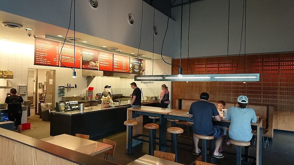 """Photo of Chipotle  by <a href=""""/members/profile/DanielPeers"""">DanielPeers</a> <br/>Late night inside <br/> June 24, 2017  - <a href='/contact/abuse/image/43161/272777'>Report</a>"""