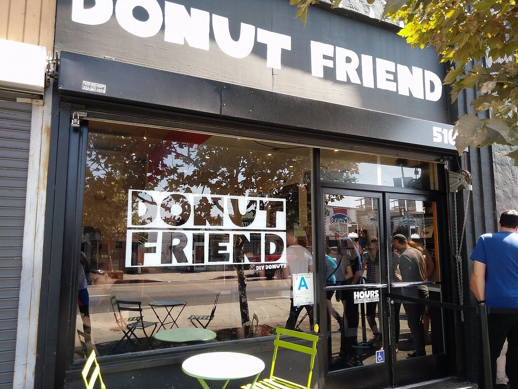 """Photo of Donut Friend  by <a href=""""/members/profile/martinicontomate"""">martinicontomate</a> <br/>view from outside <br/> December 9, 2017  - <a href='/contact/abuse/image/43258/334094'>Report</a>"""