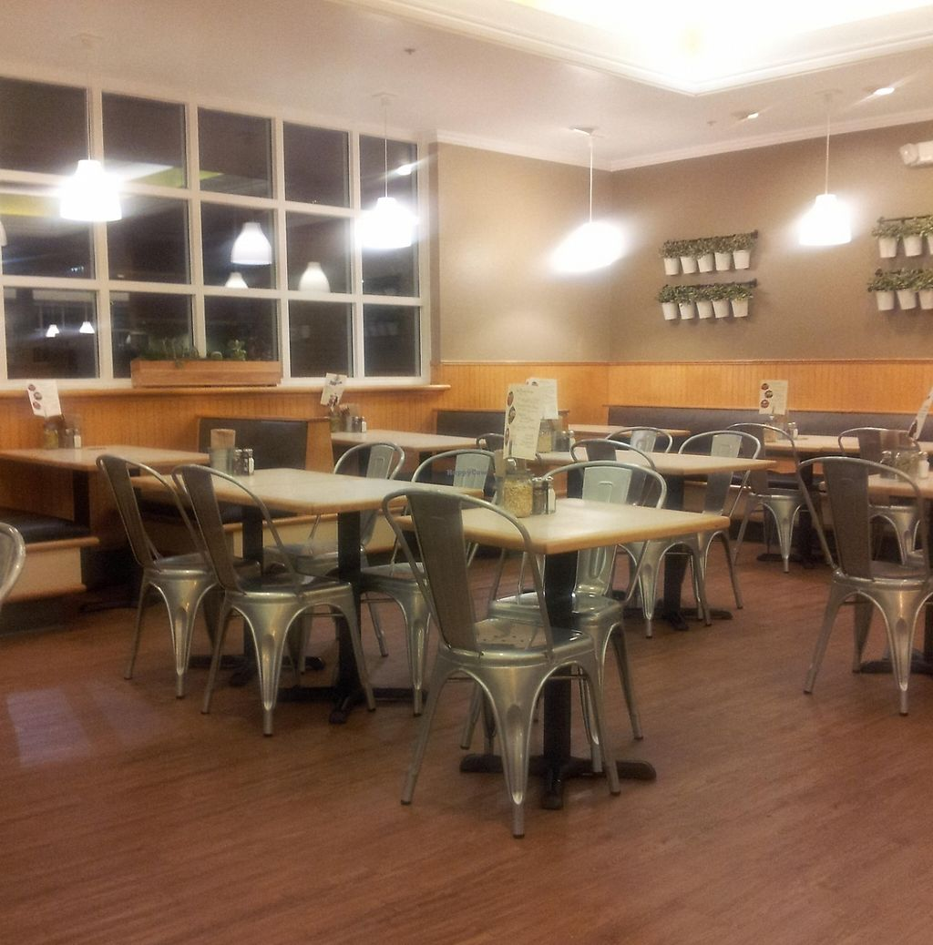 """Photo of CLOSED: Sweet Tomatoes  by <a href=""""/members/profile/djmichael"""">djmichael</a> <br/>Seating area <br/> December 13, 2015  - <a href='/contact/abuse/image/43284/215179'>Report</a>"""