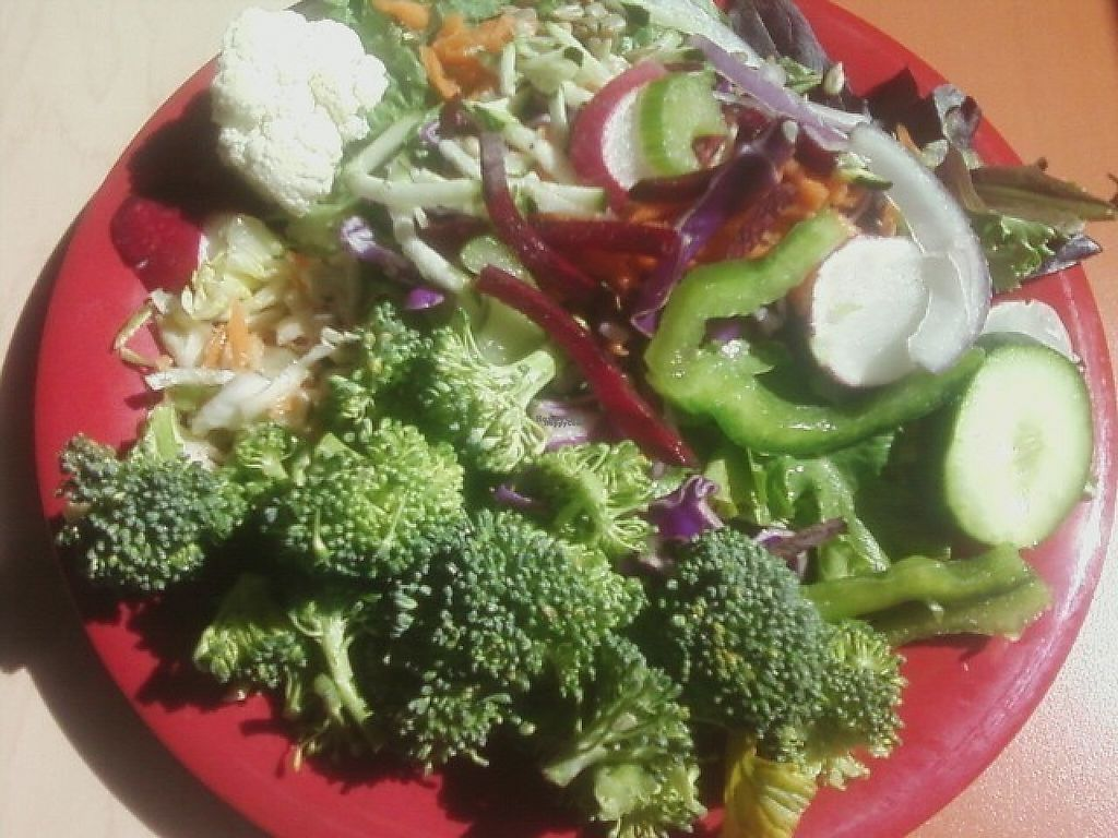 """Photo of Sweet Tomatoes  by <a href=""""/members/profile/mshelene"""">mshelene</a> <br/>Make your own Salad at Sweet Tomatoes restaurant (Leafy greens, broccoli, cauliflower, beets, radish, cabbage, carrots, sunflower seeds, red onion, green bell pepper, cucumber) <br/> April 4, 2017  - <a href='/contact/abuse/image/43310/244765'>Report</a>"""