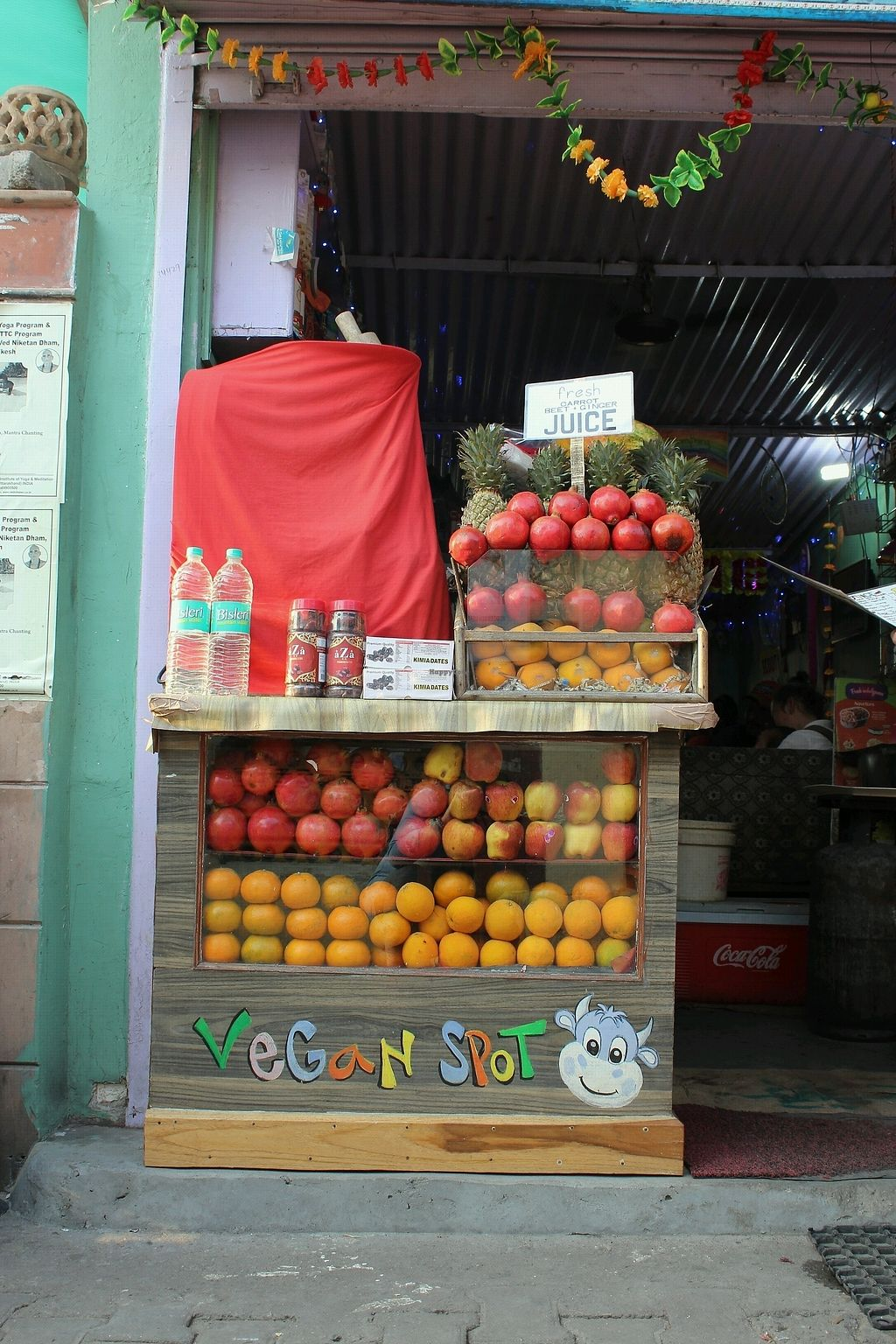 "Photo of The Juice House  by <a href=""/members/profile/Sassyvegan"">Sassyvegan</a> <br/>Shop front <br/> January 6, 2018  - <a href='/contact/abuse/image/43343/343571'>Report</a>"