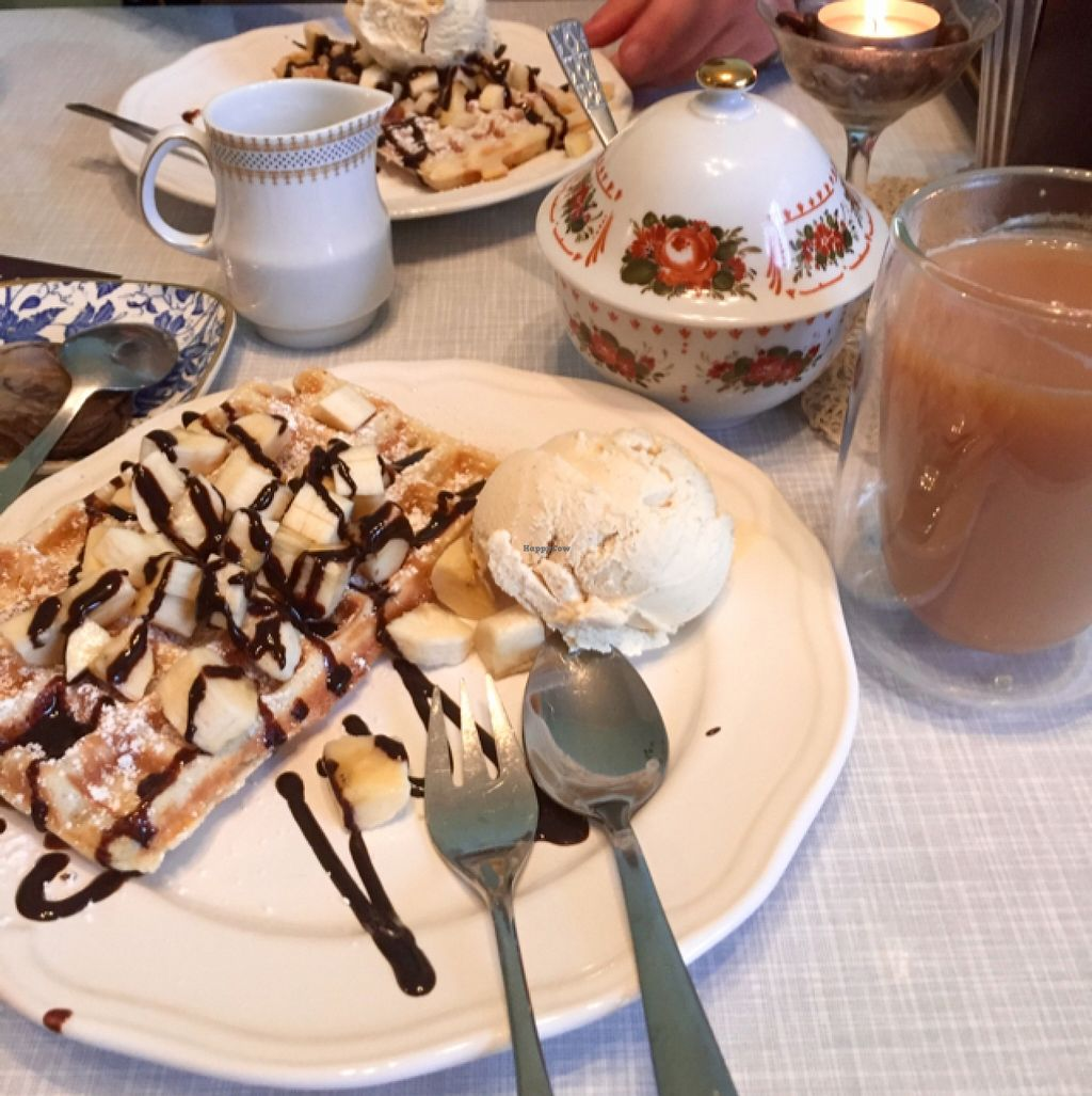 """Photo of Cafe Hibiskus  by <a href=""""/members/profile/LillyHunt"""">LillyHunt</a> <br/>banana waffles with choc sauce and ice cream <br/> February 15, 2016  - <a href='/contact/abuse/image/43348/136445'>Report</a>"""