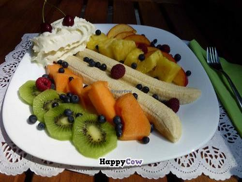 """Photo of CLOSED: Bistro Piknik  by <a href=""""/members/profile/piknikdomzale"""">piknikdomzale</a> <br/>fruit plate <br/> November 18, 2013  - <a href='/contact/abuse/image/43384/58688'>Report</a>"""