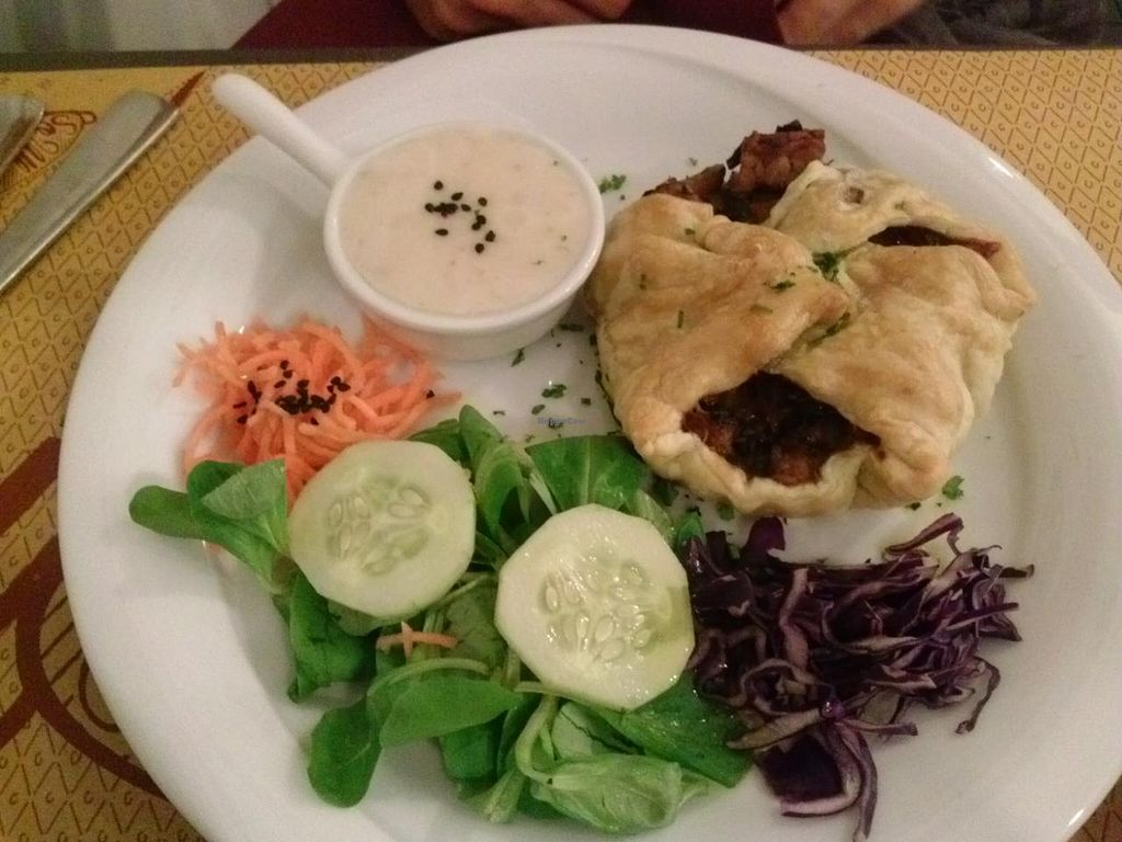 "Photo of So What Ristorante Vegan  by <a href=""/members/profile/Sonja%20and%20Dirk"">Sonja and Dirk</a> <br/>pot pie  <br/> July 14, 2015  - <a href='/contact/abuse/image/43434/109278'>Report</a>"
