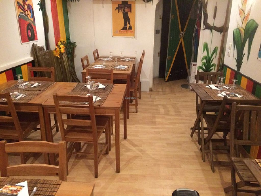 """Photo of Black Temple Food  by <a href=""""/members/profile/Pako"""">Pako</a> <br/>Main room of the restaurant. 16 seats.  <br/> March 4, 2015  - <a href='/contact/abuse/image/43435/94880'>Report</a>"""