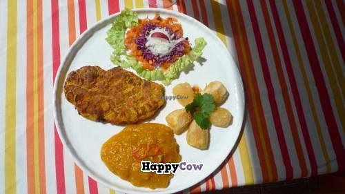 "Photo of CLOSED: Yukawala  by <a href=""/members/profile/Wala"">Wala</a> <br/>Everyday you can order rice and beans with vegetable meat made of Pejibaye, mushroom, casava and species. Salad.  El menu de todos los dias tiene rice and beans con carne vegetal hecha de pejibaye, hongos, yuca y especies <br/> November 27, 2013  - <a href='/contact/abuse/image/43551/59190'>Report</a>"