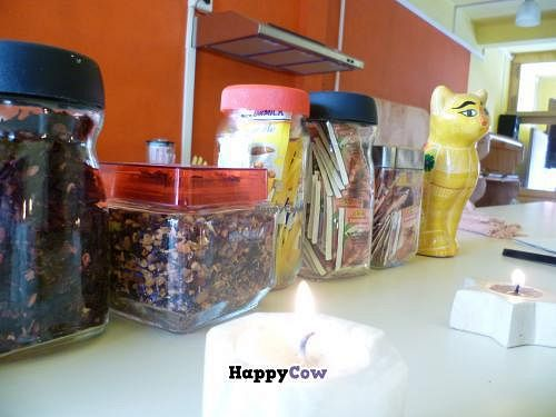 """Photo of 9 or 6 Coffee with Cats  by <a href=""""/members/profile/CharlyCholucleto"""">CharlyCholucleto</a> <br/>Tizanas frutales importadas. Frías o calientes son deliciosas <br/> November 29, 2013  - <a href='/contact/abuse/image/43601/59312'>Report</a>"""
