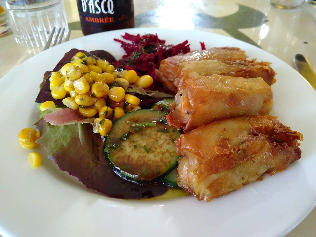 """Photo of La Bonne Heure  by <a href=""""/members/profile/mcld"""">mcld</a> <br/>""""nem"""" (spring rolls) <br/> April 11, 2018  - <a href='/contact/abuse/image/43603/384162'>Report</a>"""