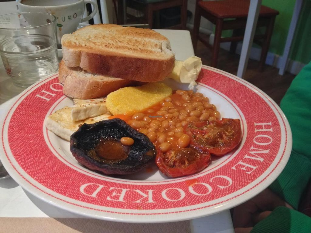 """Photo of The Almond Tree  by <a href=""""/members/profile/jojoinbrighton"""">jojoinbrighton</a> <br/>Vegan Full English Breakfast <br/> January 21, 2014  - <a href='/contact/abuse/image/43765/62869'>Report</a>"""