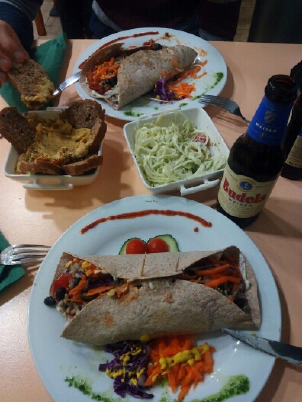 "Photo of CLOSED: Green Break Vegan Restaurant  by <a href=""/members/profile/joanabilbo21"">joanabilbo21</a> <br/>Burritos, crudiespaguetis, hummus y cerveza ecológica <br/> April 17, 2016  - <a href='/contact/abuse/image/43886/144974'>Report</a>"