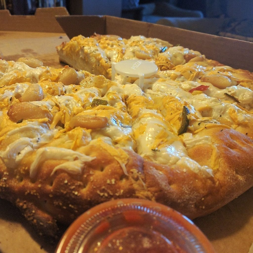 "Photo of Dimo's Pizza - Wicker Park  by <a href=""/members/profile/makemenervous"">makemenervous</a> <br/>Vegan Cheesy Bread <br/> March 21, 2017  - <a href='/contact/abuse/image/43897/239199'>Report</a>"