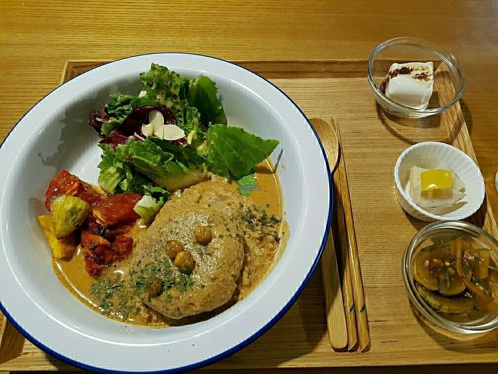 """Photo of Cook and Book - 쿡앤북  by <a href=""""/members/profile/mfrenette"""">mfrenette</a> <br/>Burger Rice <br/> September 25, 2016  - <a href='/contact/abuse/image/44022/177829'>Report</a>"""