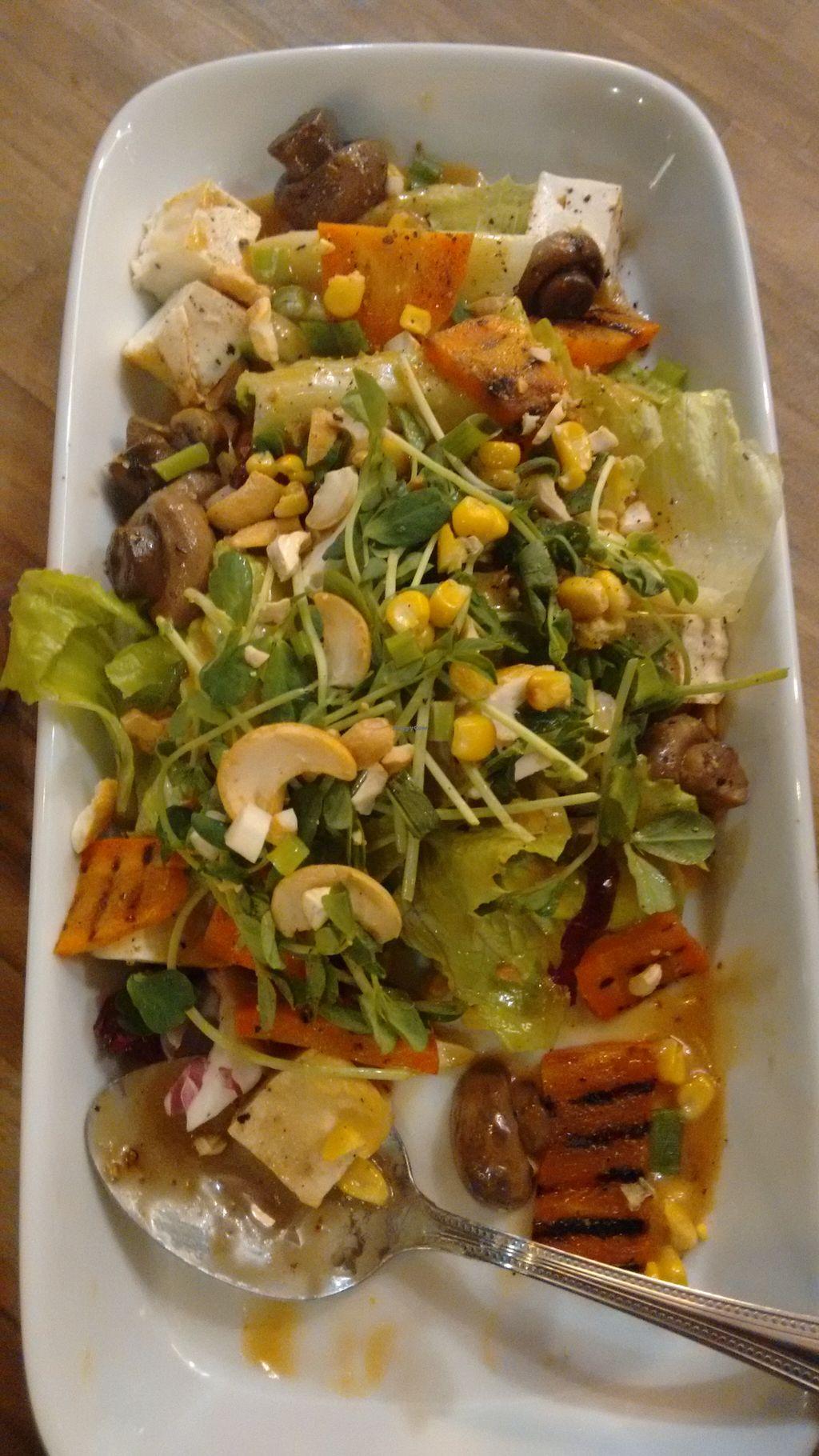 """Photo of MiaCucina My Kitchen - Tianmu  by <a href=""""/members/profile/PaulaAyumiOsakabe"""">PaulaAyumiOsakabe</a> <br/>Salad <br/> May 13, 2016  - <a href='/contact/abuse/image/44030/148858'>Report</a>"""