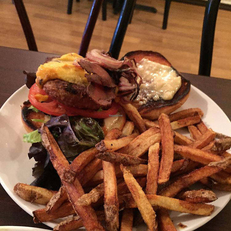"""Photo of Earth Bistro  by <a href=""""/members/profile/StarshineM"""">StarshineM</a> <br/>Vegan Beyond Burger special  <br/> September 9, 2017  - <a href='/contact/abuse/image/44103/302754'>Report</a>"""