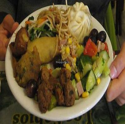 """Photo of Los Sabios  by <a href=""""/members/profile/batsnbikes"""">batsnbikes</a> <br/>1 of my 2 plates full of vegan options! <br/> June 14, 2011  - <a href='/contact/abuse/image/4413/283504'>Report</a>"""