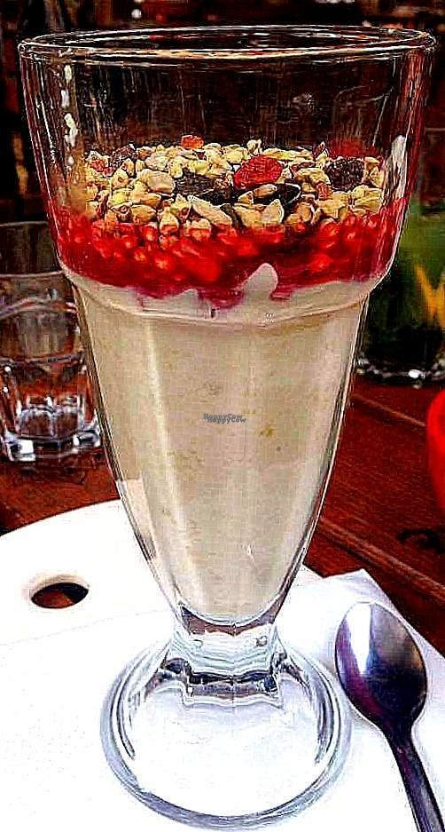"""Photo of Le Pain Quotidien  by <a href=""""/members/profile/Kyttiara"""">Kyttiara</a> <br/>Raw granola parfait (crunola) <br/> September 21, 2016  - <a href='/contact/abuse/image/44140/177114'>Report</a>"""