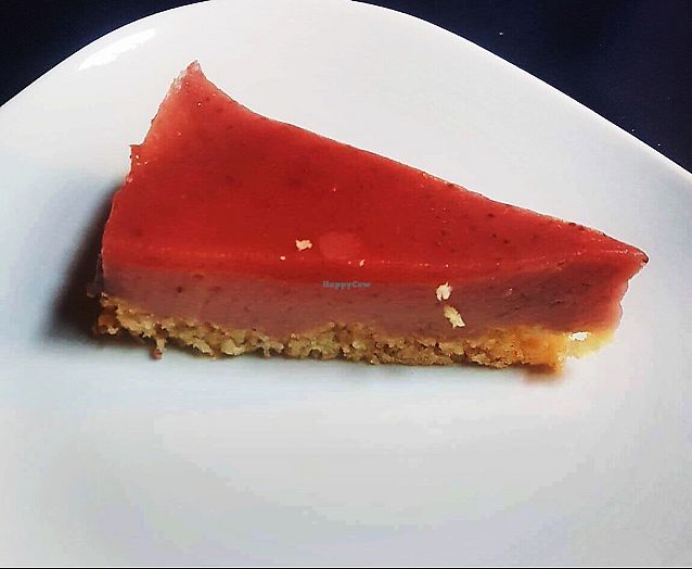 "Photo of Le Fate  by <a href=""/members/profile/geminibec17"">geminibec17</a> <br/>vegan raspberry cheesecake  <br/> June 22, 2017  - <a href='/contact/abuse/image/44150/272311'>Report</a>"