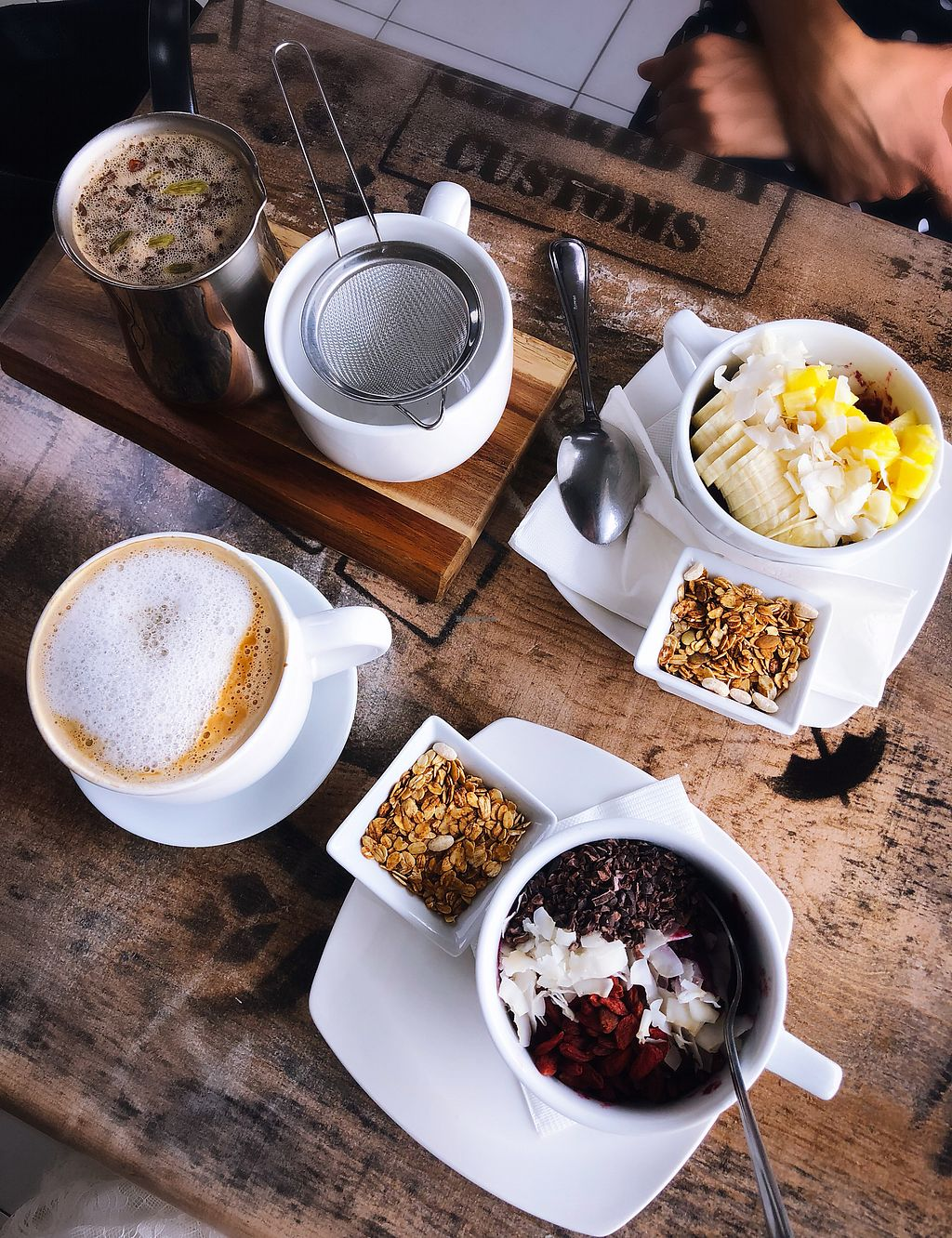 """Photo of Island Naturals Cafe  by <a href=""""/members/profile/emiliepix"""">emiliepix</a> <br/>Açaí bowls, coconut milk late, and chai tea! <br/> January 20, 2018  - <a href='/contact/abuse/image/44322/348953'>Report</a>"""