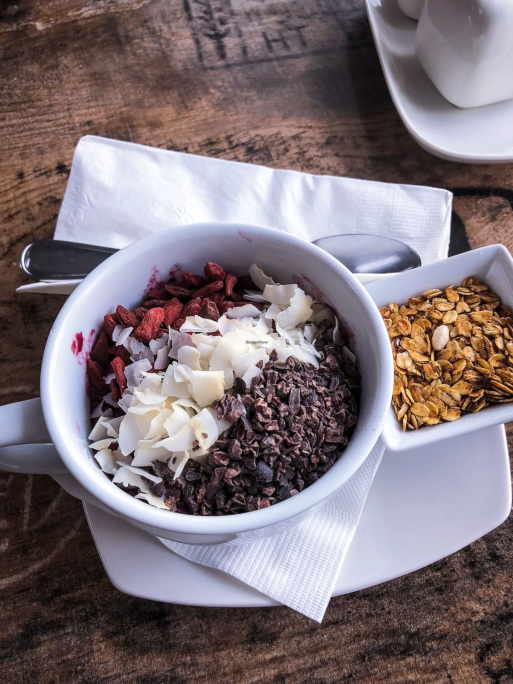 """Photo of Island Naturals Cafe  by <a href=""""/members/profile/emiliepix"""">emiliepix</a> <br/>Açaí bowl goodness! <br/> January 20, 2018  - <a href='/contact/abuse/image/44322/348954'>Report</a>"""