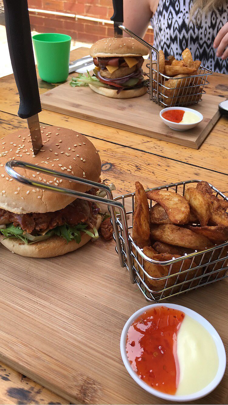 "Photo of The Pearfect Pantry  by <a href=""/members/profile/LaraLily"">LaraLily</a> <br/>Vegan pulled pork burger <br/> July 14, 2017  - <a href='/contact/abuse/image/44360/280404'>Report</a>"
