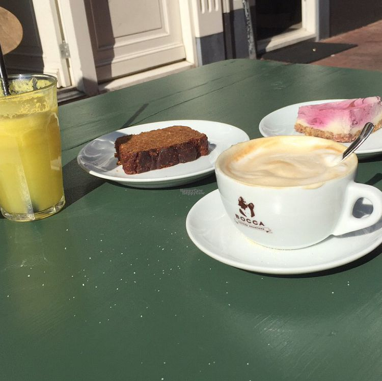 """Photo of SLA - Westerstraat  by <a href=""""/members/profile/Sallyb33"""">Sallyb33</a> <br/>Fresh Juice, Vegan Banana Bread, Coffee, Raw Cheesecake  <br/> September 13, 2016  - <a href='/contact/abuse/image/44552/180833'>Report</a>"""