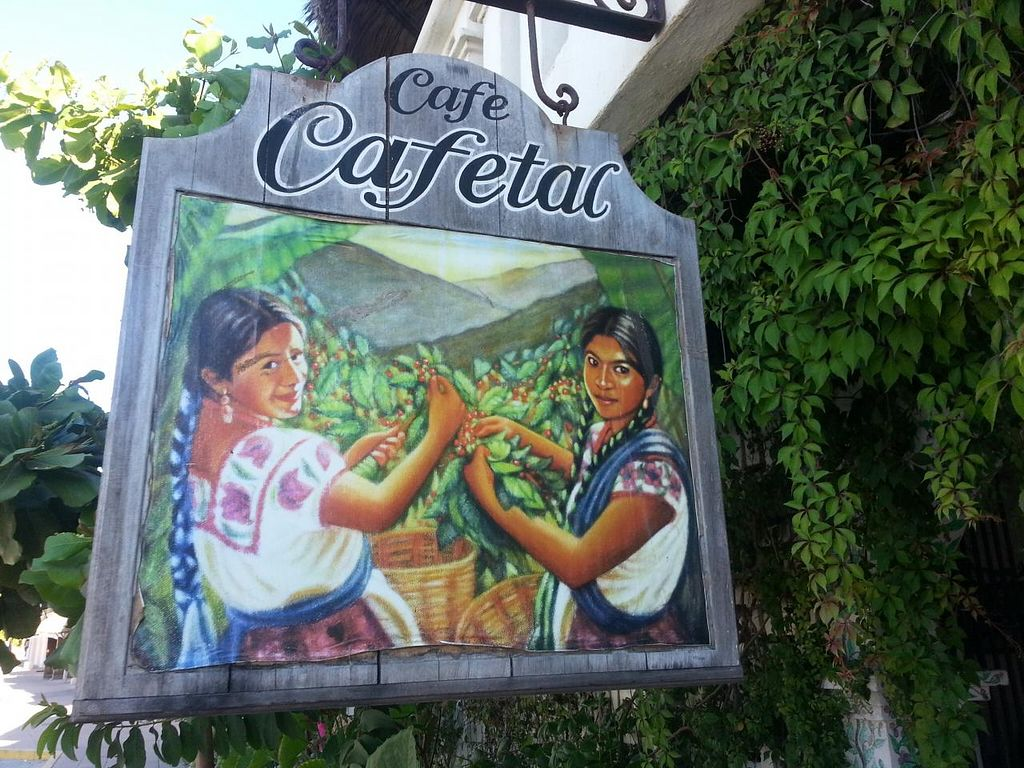 """Photo of CLOSED: El Cafetal  by <a href=""""/members/profile/dougdo"""">dougdo</a> <br/>It's located on the far north end (close to Playa Marinero) on the beach road but on the street side <br/> January 8, 2014  - <a href='/contact/abuse/image/44554/62139'>Report</a>"""