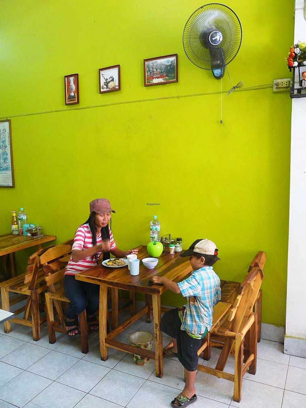 """Photo of Jay - Prajaksinlapacom Road  by <a href=""""/members/profile/The%20Hammer"""">The Hammer</a> <br/>Cozy interior with wooden tables <br/> January 11, 2014  - <a href='/contact/abuse/image/44618/62322'>Report</a>"""
