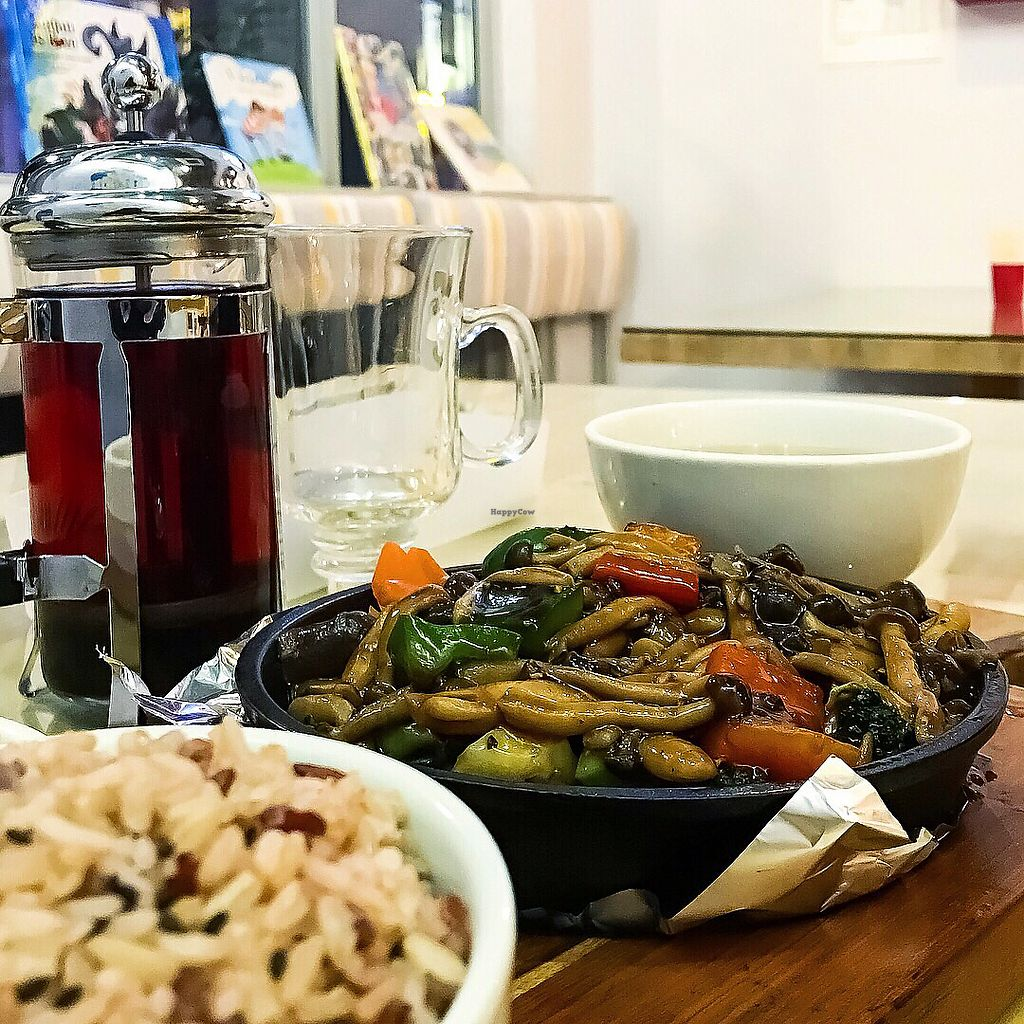"Photo of Loving Hut  by <a href=""/members/profile/Sweetveganneko"">Sweetveganneko</a> <br/>Black pepper mushroom rice set with roselle tea <br/> March 20, 2018  - <a href='/contact/abuse/image/44628/373138'>Report</a>"