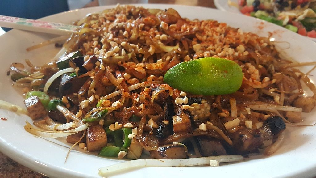 "Photo of Johnny Mango World Cafe and Bar  by <a href=""/members/profile/Tots"">Tots</a> <br/>Vegan Pad Thai <br/> September 10, 2017  - <a href='/contact/abuse/image/44642/302761'>Report</a>"
