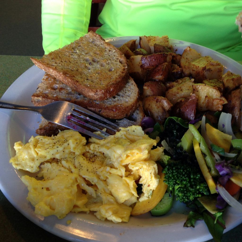 """Photo of Riverwest Co-op Cafe  by <a href=""""/members/profile/Mpveg"""">Mpveg</a> <br/>breakfast scramble  <br/> November 15, 2015  - <a href='/contact/abuse/image/4466/125060'>Report</a>"""