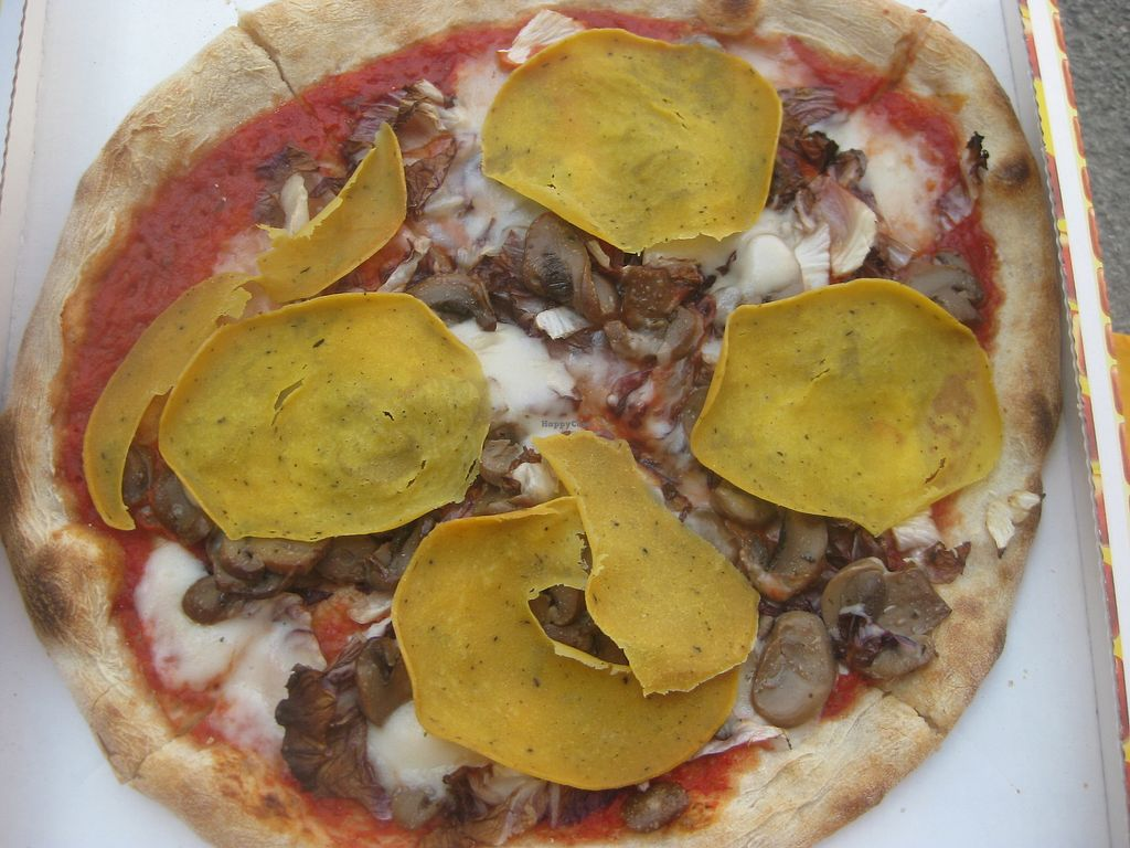 """Photo of Pizzeria L'Angelo  by <a href=""""/members/profile/jennyc32"""">jennyc32</a> <br/>Sirio vegan pizza <br/> August 6, 2017  - <a href='/contact/abuse/image/44673/289585'>Report</a>"""
