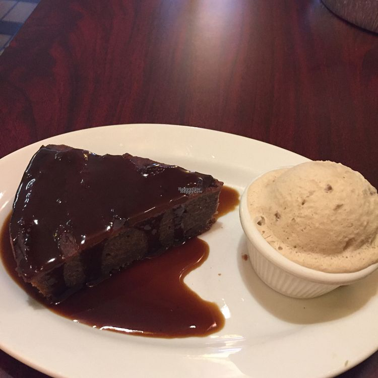 """Photo of Green Leaf  by <a href=""""/members/profile/VindicatedVegan"""">VindicatedVegan</a> <br/>sticky toffee putting with bourbon maple walnut ice cream (both vegan) <br/> October 1, 2016  - <a href='/contact/abuse/image/44678/179062'>Report</a>"""