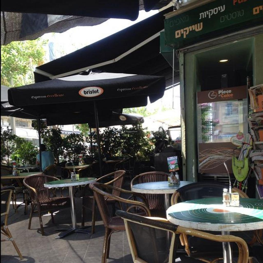 """Photo of Alma Cafe  by <a href=""""/members/profile/Brok%20O.%20Lee"""">Brok O. Lee</a> <br/>Seating <br/> June 6, 2014  - <a href='/contact/abuse/image/44708/71449'>Report</a>"""