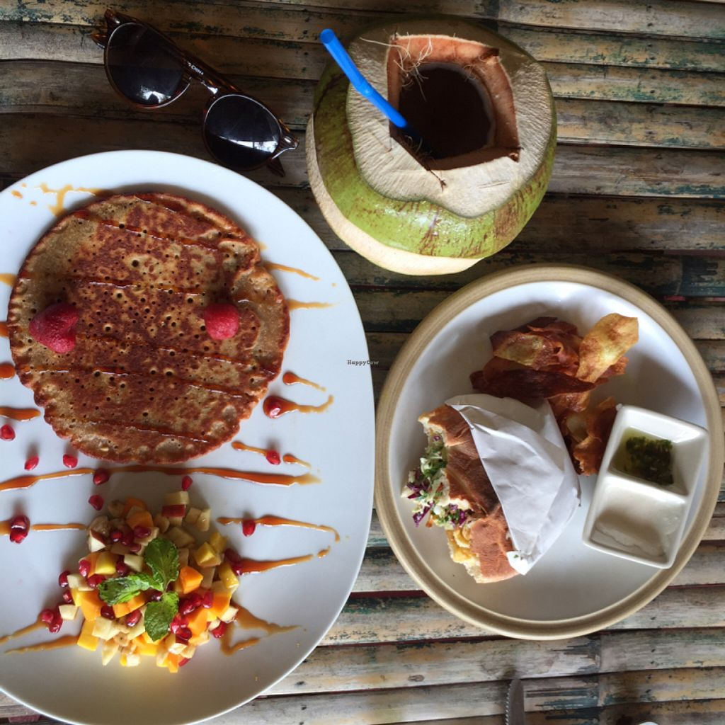 """Photo of Green Gallery  by <a href=""""/members/profile/mermaidsrok"""">mermaidsrok</a> <br/>VERY flavorful, yummy food  <br/> June 28, 2016  - <a href='/contact/abuse/image/44811/156542'>Report</a>"""